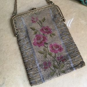Handbags - Antique Victorian French Hand Beaded Purse🌺